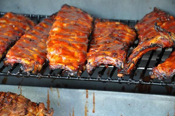 Spareribs Gasgrill Outdoorchef : Spareribs echter klassiker vom grill santos grill magazin