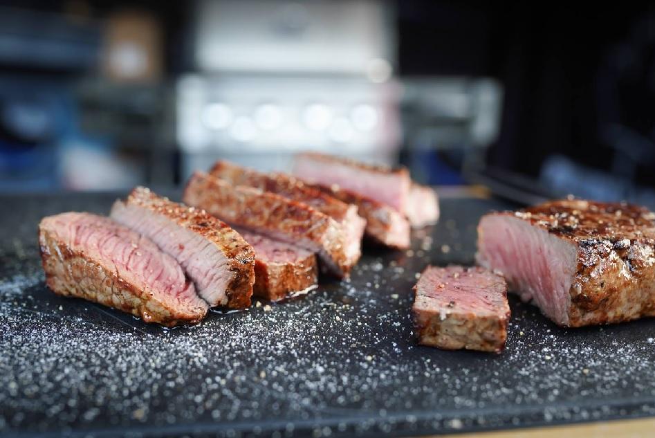 Leckeres Steak frisch vom Grillrost